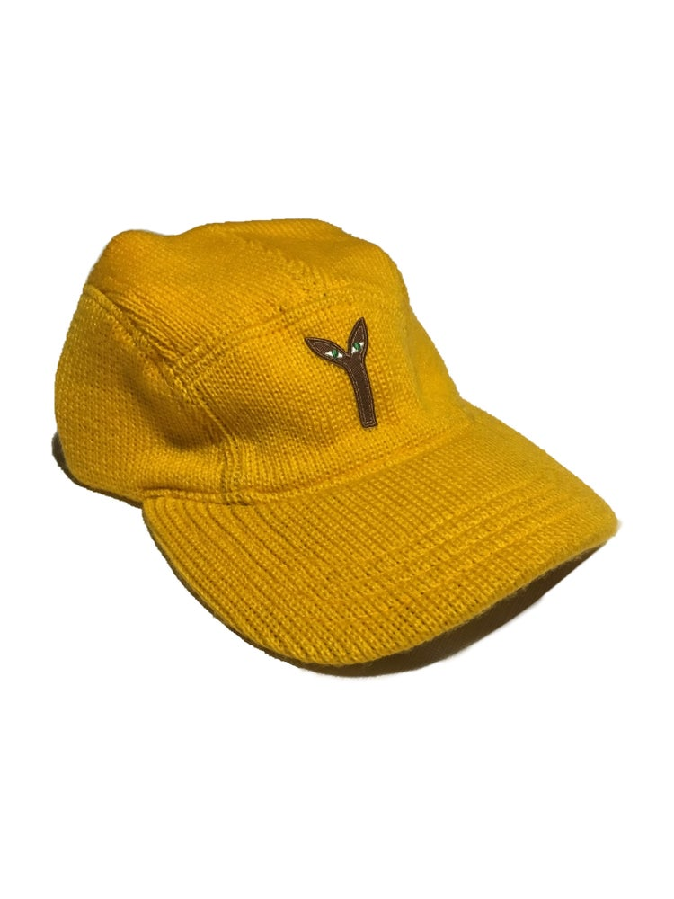 Aya knitted camp hat yellow