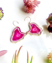Load image into Gallery viewer, Magenta Agate Slice Earrings