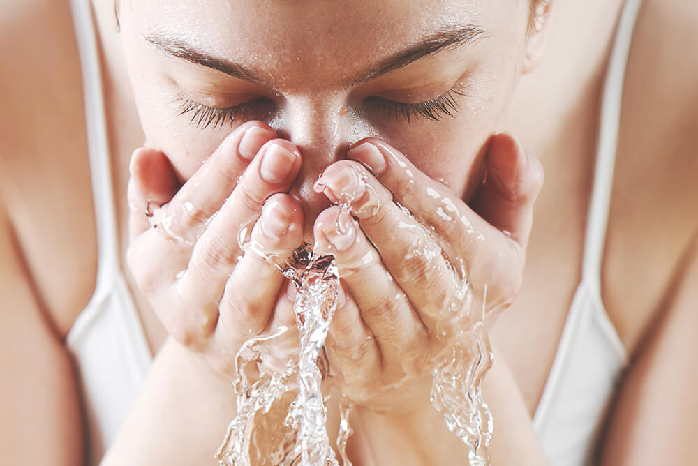 washing face with salt water