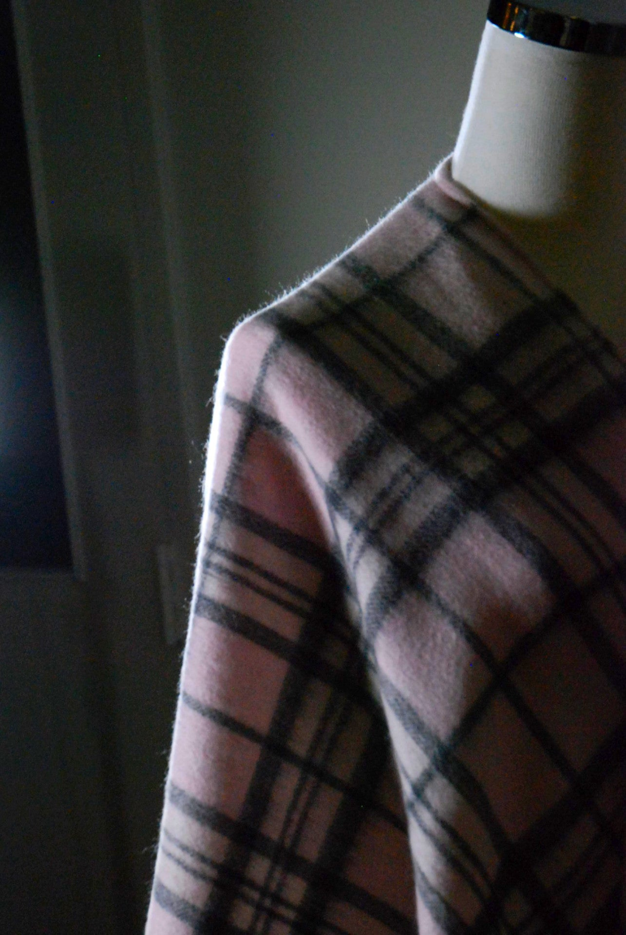Lambswool Shawl - Pale Pink Thomson
