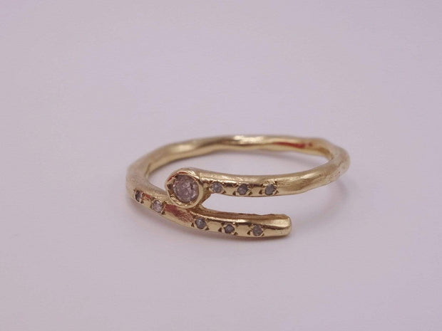Gold Ring with one Diamond