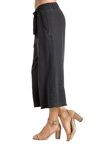 FRAY HEM CROP PANT | BLACK