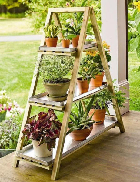 Triangle plant stand