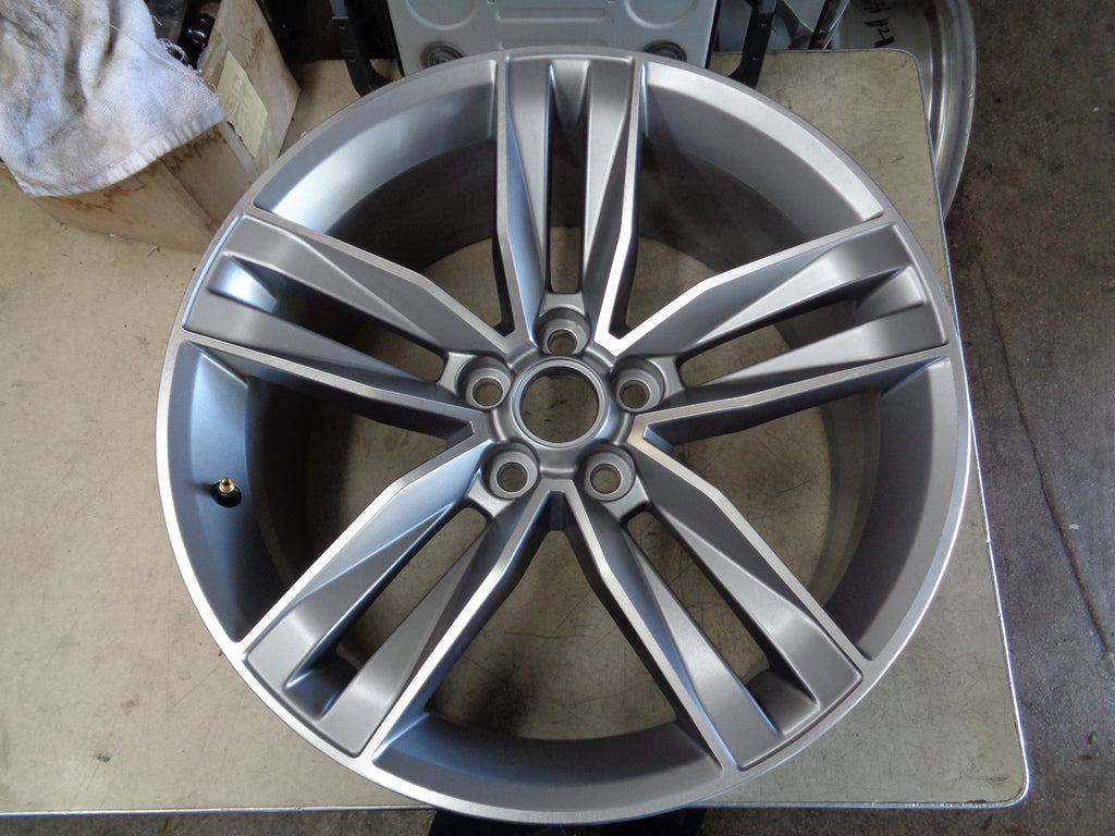 ALY5761U35 Chevrolet Camaro Wheel Grey Machined #22998074