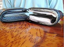 4 Easy Ways to Organize Your Wallet