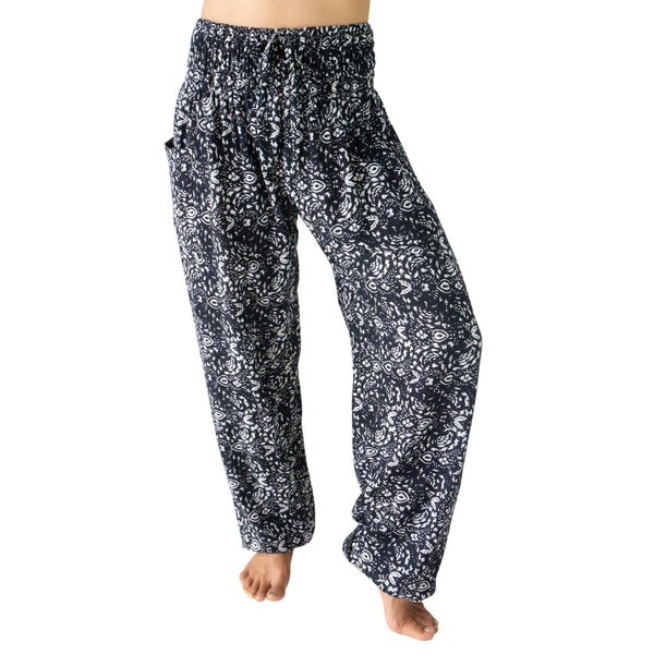 PI  -  Boutique Princess (Black/White) - Scrunched Bottom  -   -  Women's Scrunched Bottom Pants size 0-12  -  pi-yoga-pants