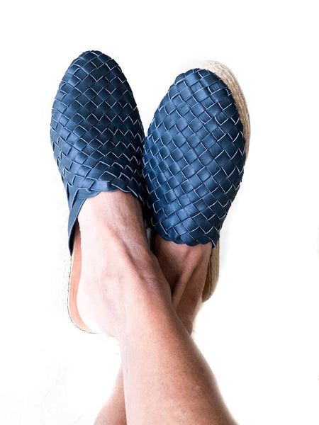 Leather woven Mules Navy