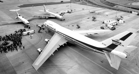 The handover at Boeing of Wardair's first 747, CF-DJC, on April 23, 1973