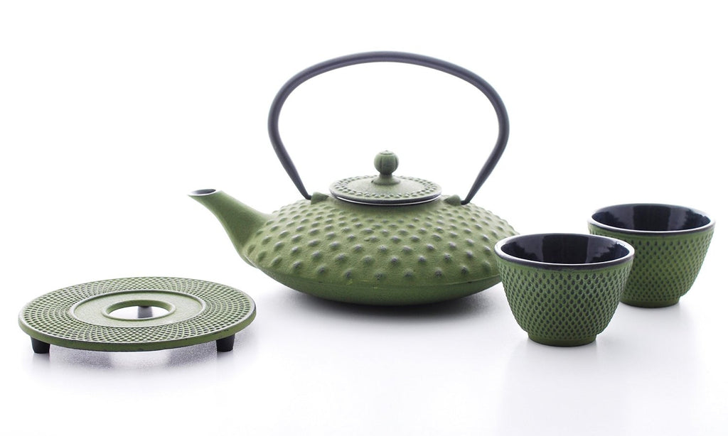 Bredemeijer Jing G002GR Asian Teapot Cast Iron 1.25 Litre Dimple Structure Green. Cast Iron Trivet, 2 Tea Cups