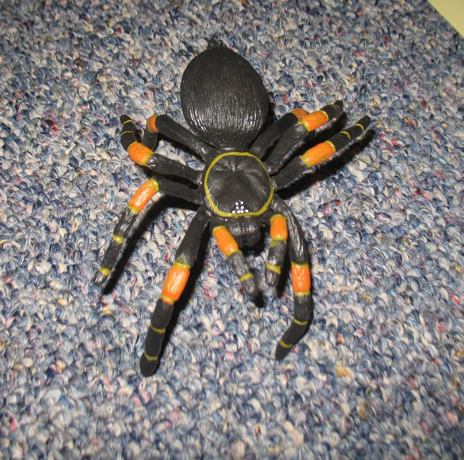 A242 GI JOE Hasbro 8 Legs of Danger Red Kneed Spider New.