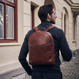 Arsante Backpack Whisky Brown with David Lundin