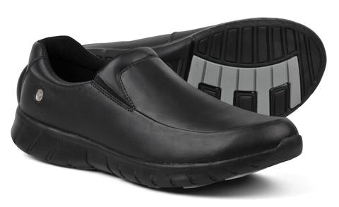 Suecos Noak enclosed black slip on shoes for healthcare workers, hospitality, waiters, nurses
