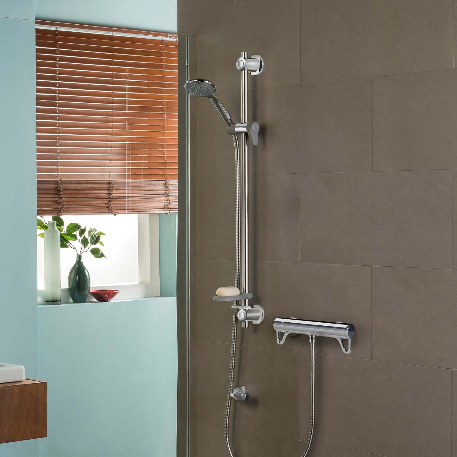 940mm Modale Supportive Shower Rail Kit with a chrome finish with a chrome finish lifestyle image