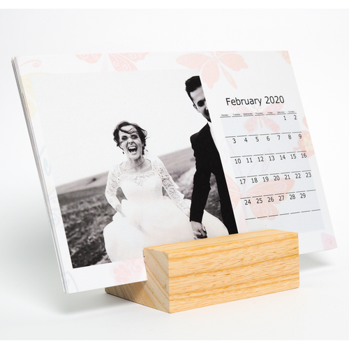 Wood desk photo calendar