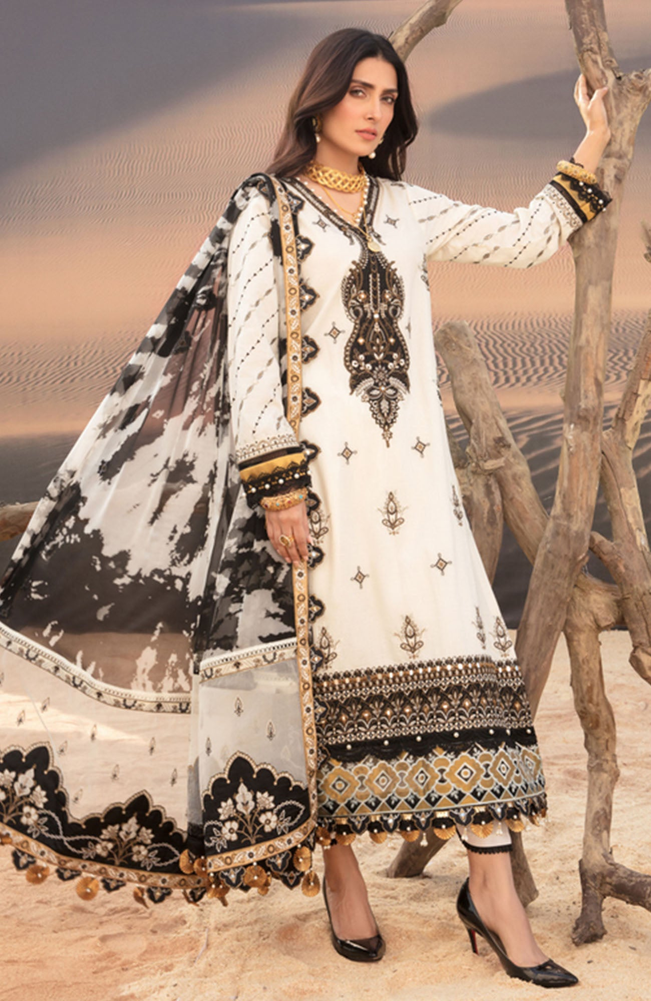 Noor Luxury Lawn-D-7B