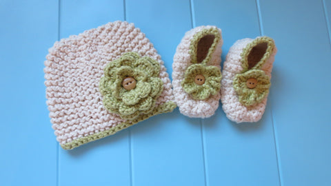 Almond / Sage Beanie & Slippers Gift Set