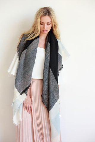 Black/Cream Blanket Scarf