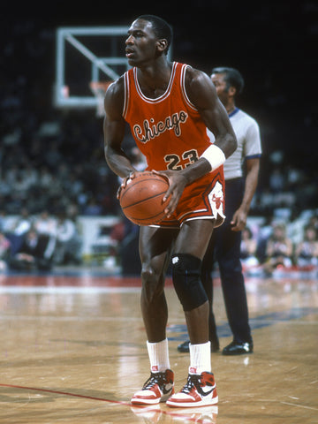 Micheal Jordan wearing the Jordan 1 - Legitkicks.ca
