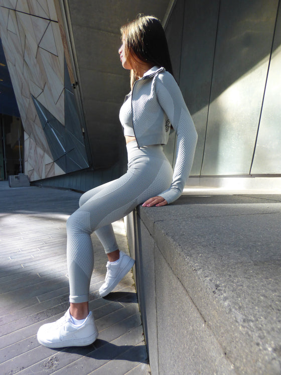 grey 3 piece set gymwear