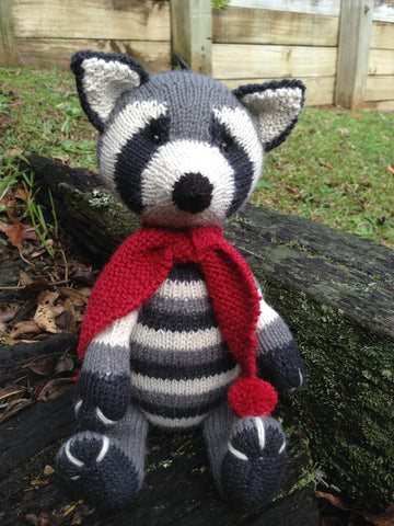 Knitting kit - Rascal the Raccoon