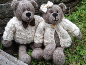 Knitting kit - Clementine Bear
