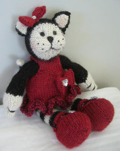 Knitting kit - Clarissa the Cat