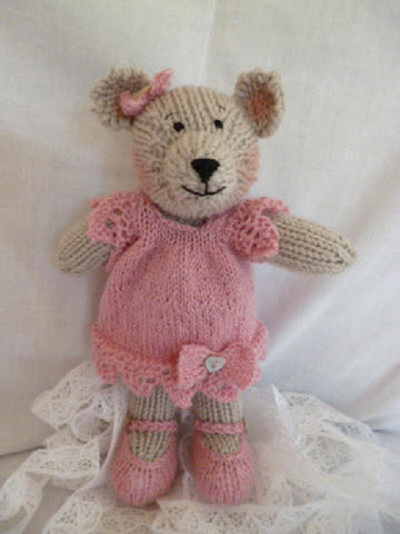 Knitting kit - Lacey Bear - Pink