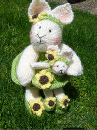 Knitting kit - Sunny and Petal Bunny