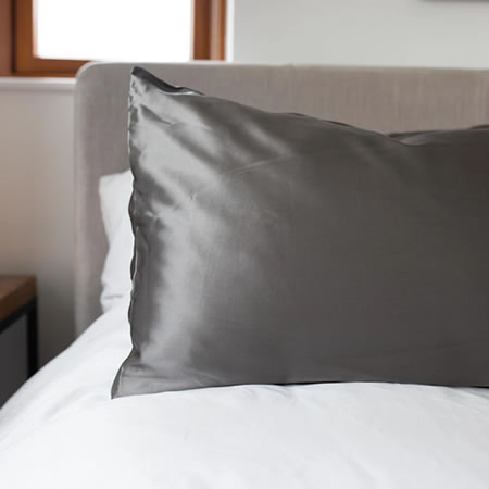 Mulberry Silk Pillowcase in Charcoal