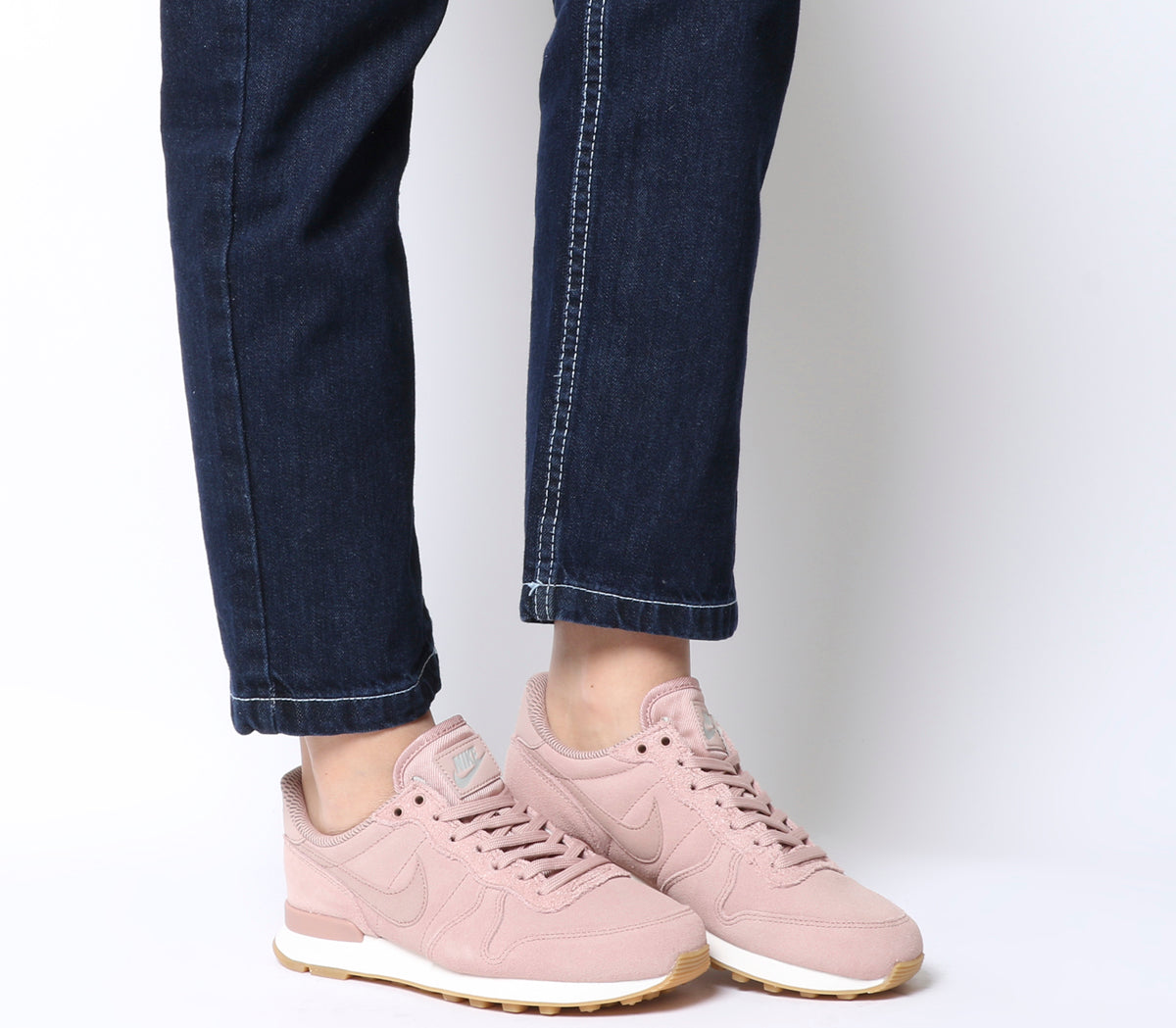 hot sale online 895e0 42a16 Womens Nike Internationalist Trainers Particle Pink – OFFCUTS SHOES by  OFFICE