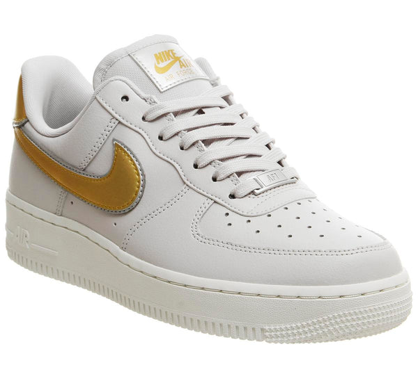 e0a397a5008cc Mens Nike Air Force 1 07 Vast Grey Gold Summit White Platinum Mtlc Uk Size 7