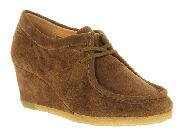 Womens Clarks Yarra Bee Wedge Walnut Suede
