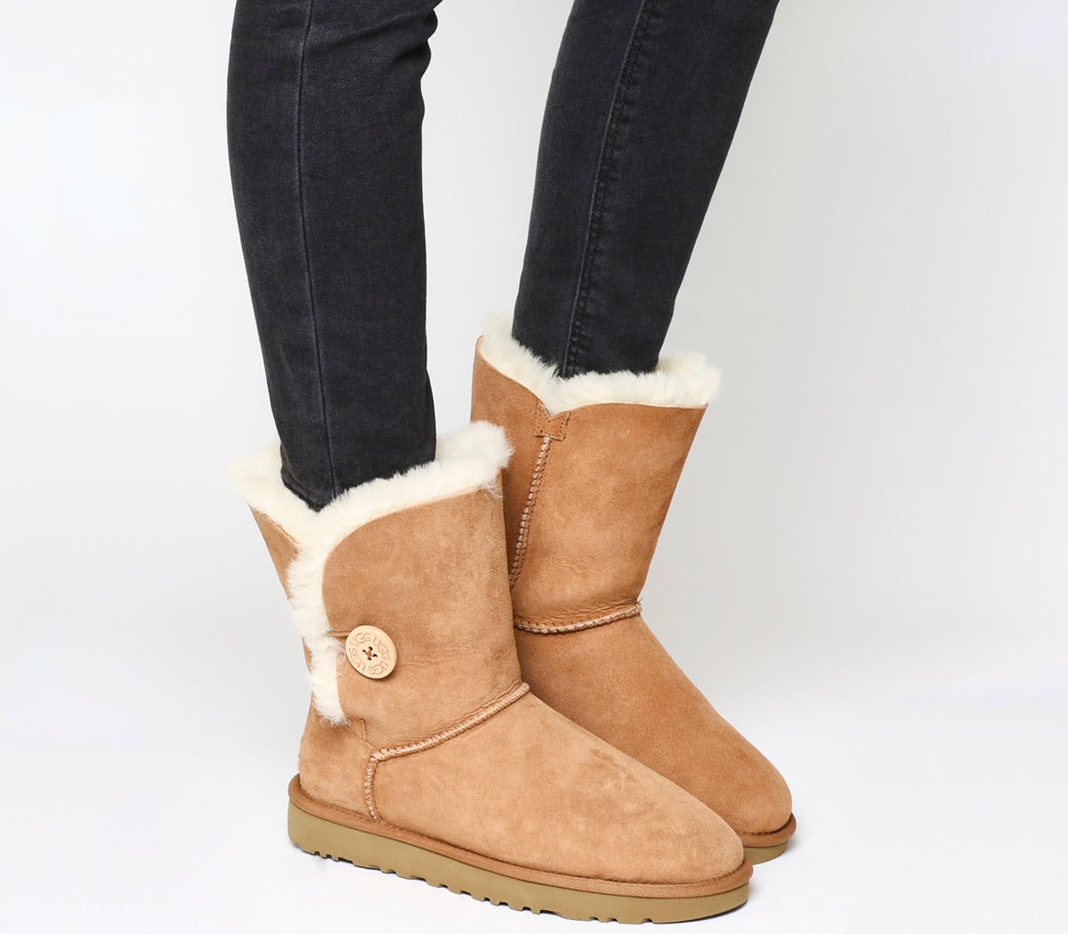 Womens Ugg Bailey Button II Boots Chestnut Suede