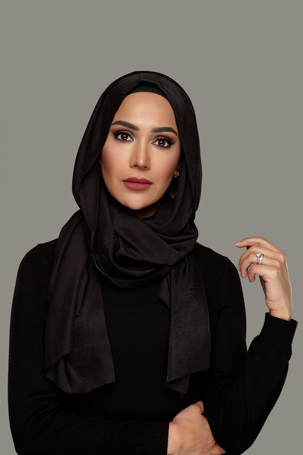 True Black - Day Glam Petite Hoojab