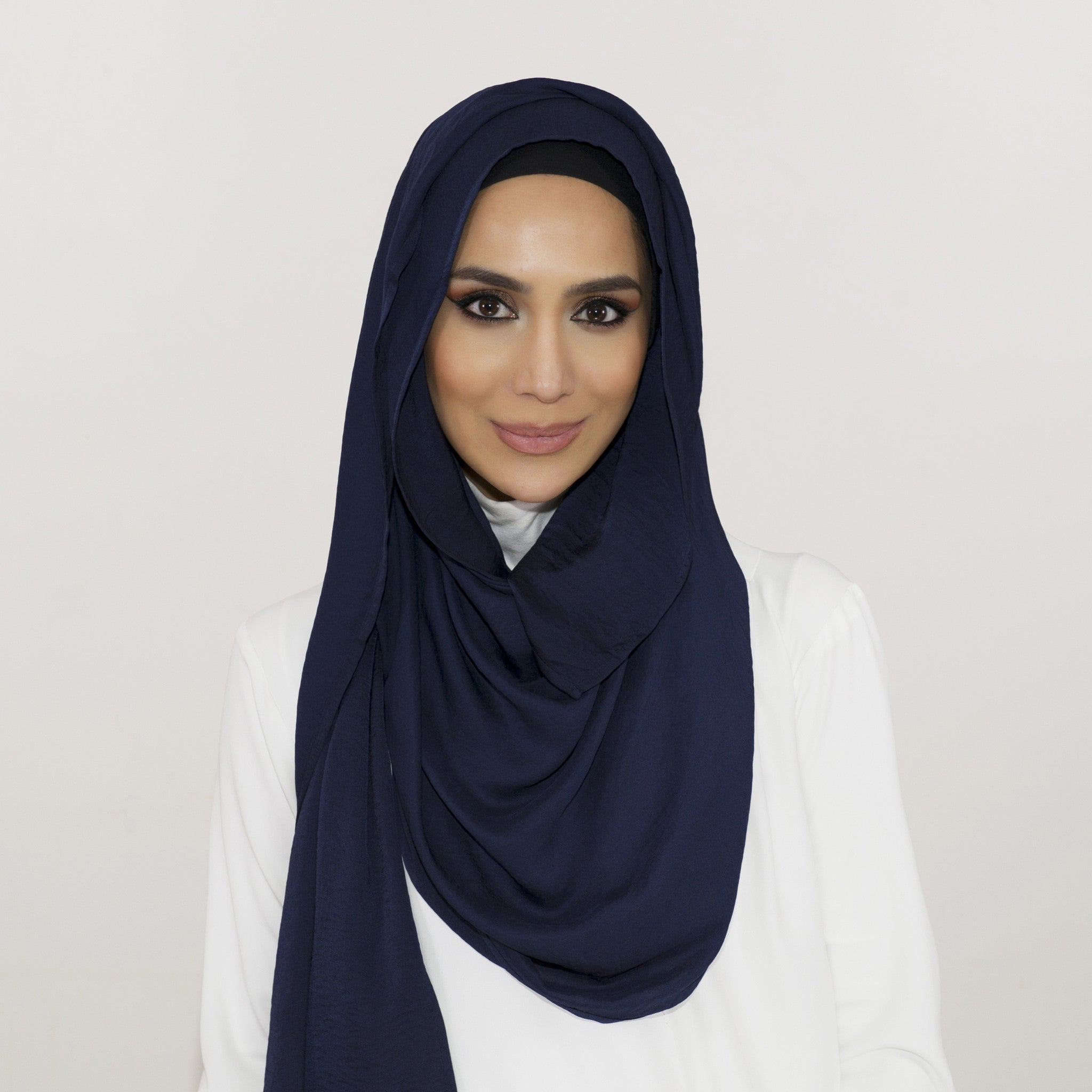 Smooth Crushed Navy Hijab