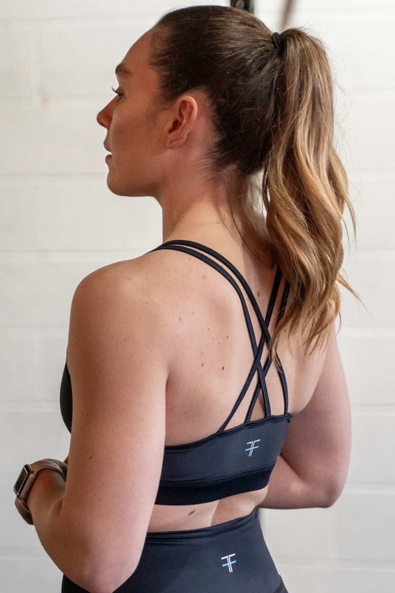 INVIGORATE Strappy Bra Nero - LockrSpace