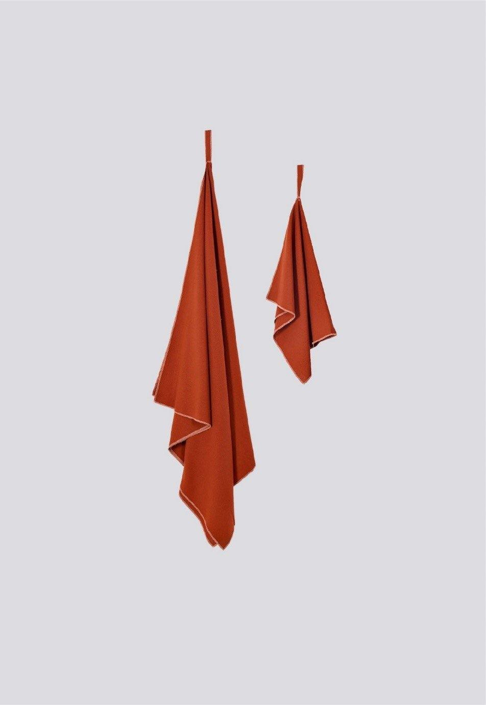 Raw Silk Travel Towel, Bantam Set, Chili - LockrSpace