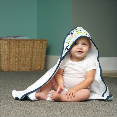 JJ Cole Hooded Towel in White Vroom