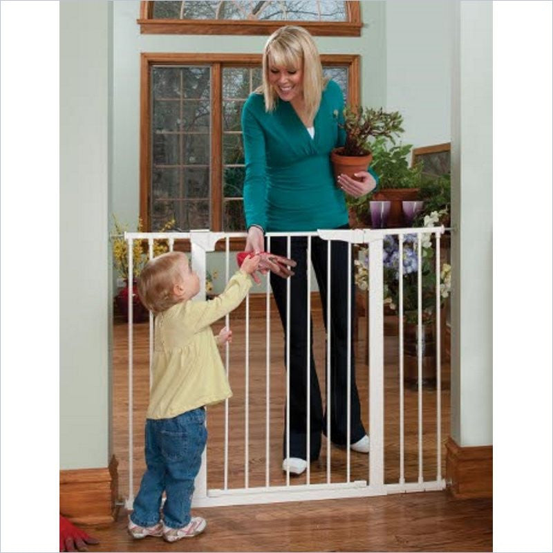 Kidco Tall & Wide Auto Close Gateway in White