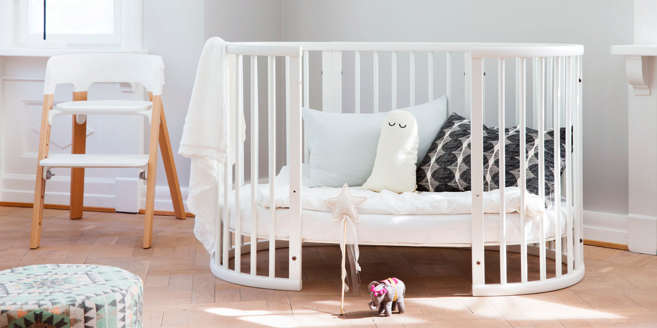 stokke sleepi mini crib lusso kids inc. Black Bedroom Furniture Sets. Home Design Ideas