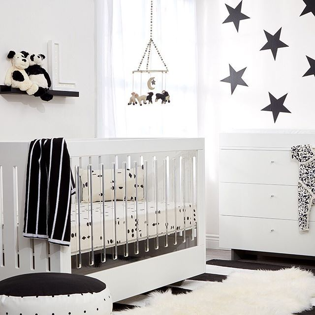 Spot On Square Roh Crib in White White with 2 Side Acrylic