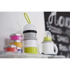 Beaba Formula Snack Container in Neon