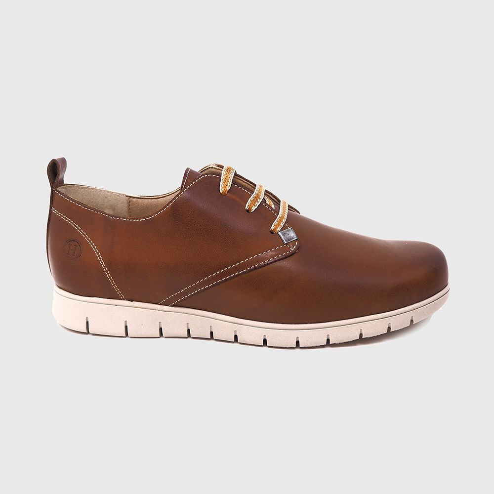 Nilson lace shoe in leather-colored leather
