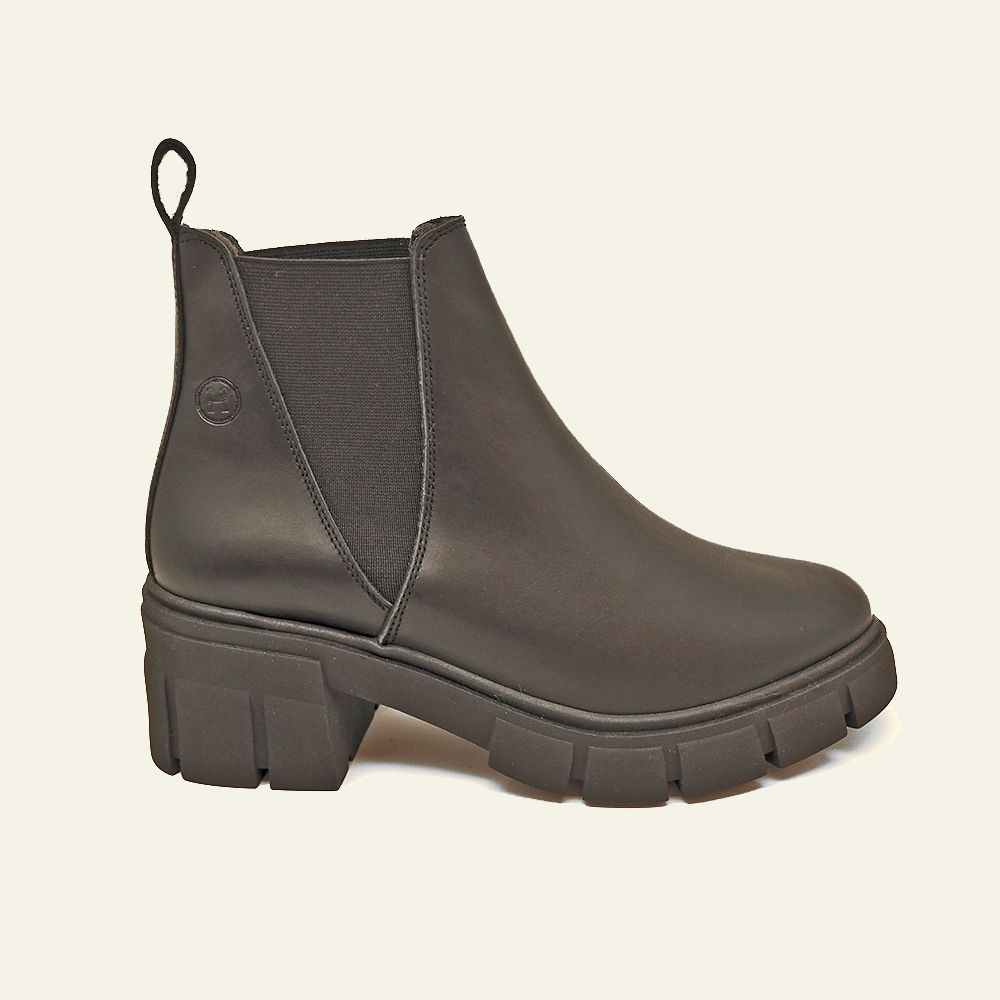 Chelsea Mississippi boot in black leather