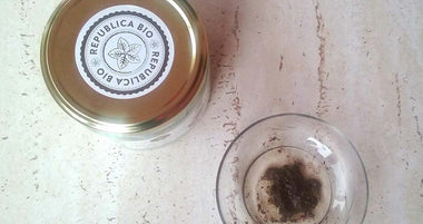 Ground coffee and virgin organic coconut oil facial scrub, recipe by Sibel Grigore