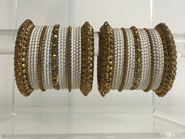 PARI Pearl White Bangle Set