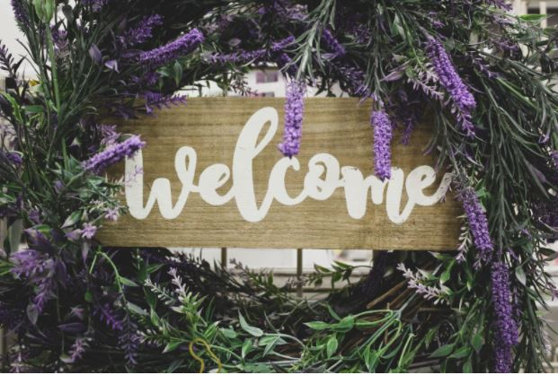 Welcome design for spring wreath