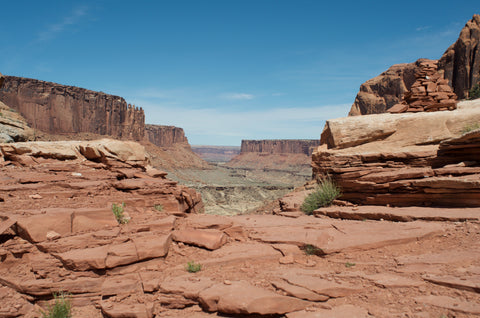 Hiking the Syncline Loop in Canyonlands National Park Utah