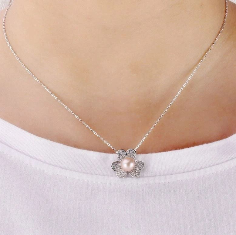 Single Flower Necklace