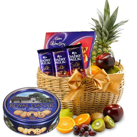 Gourmet Healthy Fruits Basket (With Chocolates) flowers Mayaflowers